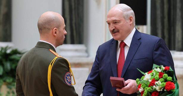 Александр Лукашенко вручил вМинске ордена изнаки отличия