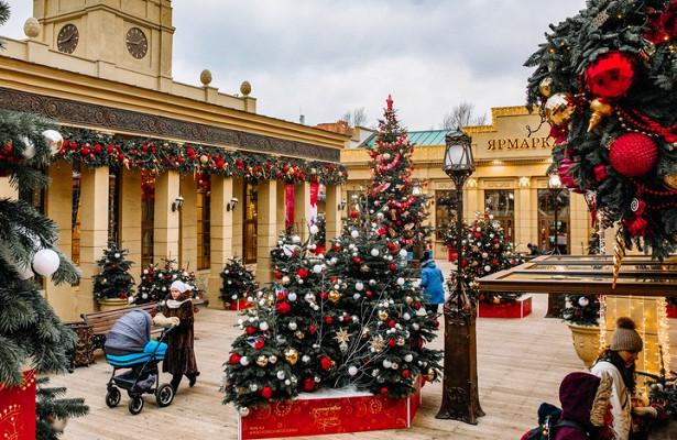 Около тысячи новогодних елок установят настоличных улицах
