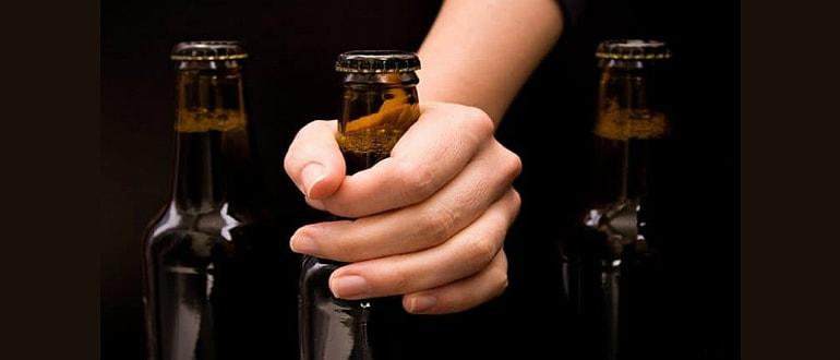 Как народными средствами лечить алкоголизм