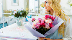 Психологи назвали подарок на 8 марта, который подойдет всем женщинам