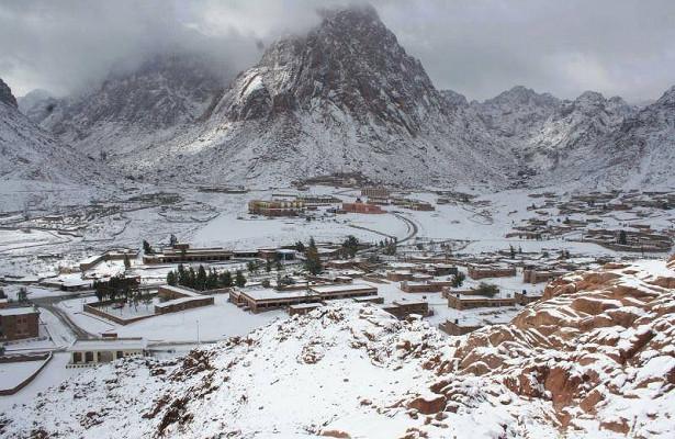 НаЛивию иЕгипет обрушился снегопад
