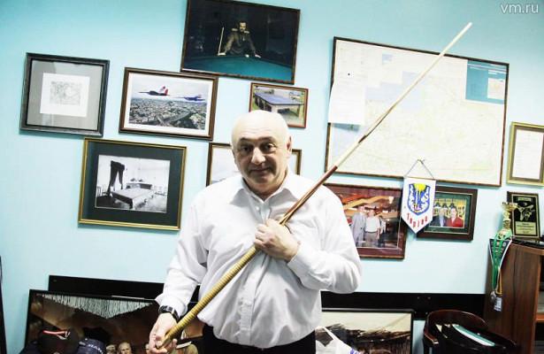 ВМузее бильярда хранится кийВалерия Чкалова