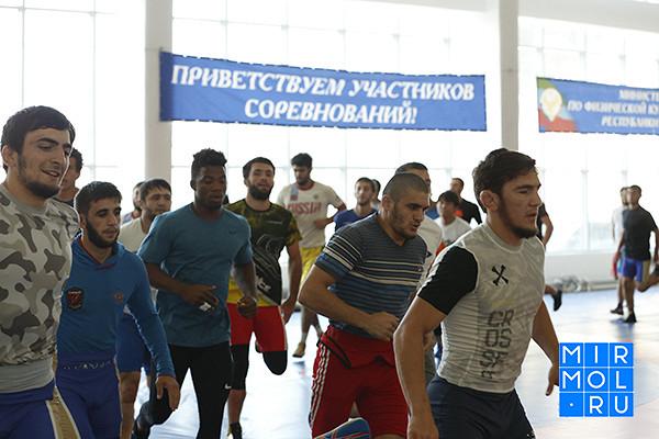 Назван состав сборной Дагестана повольной борьбе начемпионат России
