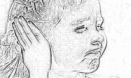 Болит ухо у ребёнка: какую первую помощь оказать