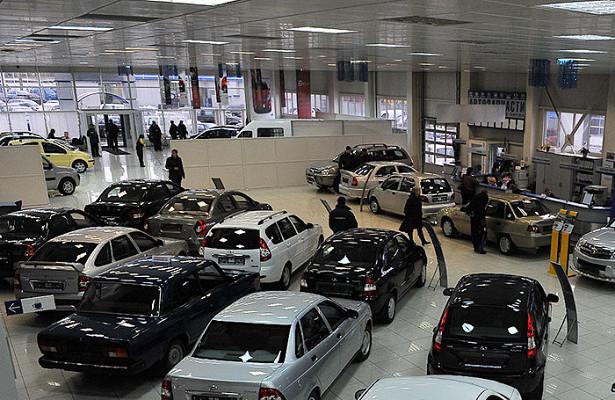 Крупнейший российский автодилер неотдает машины покупателям