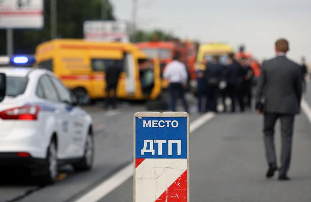 Автобус сроссиянам опрокинулся натрассе М-4«Дон»