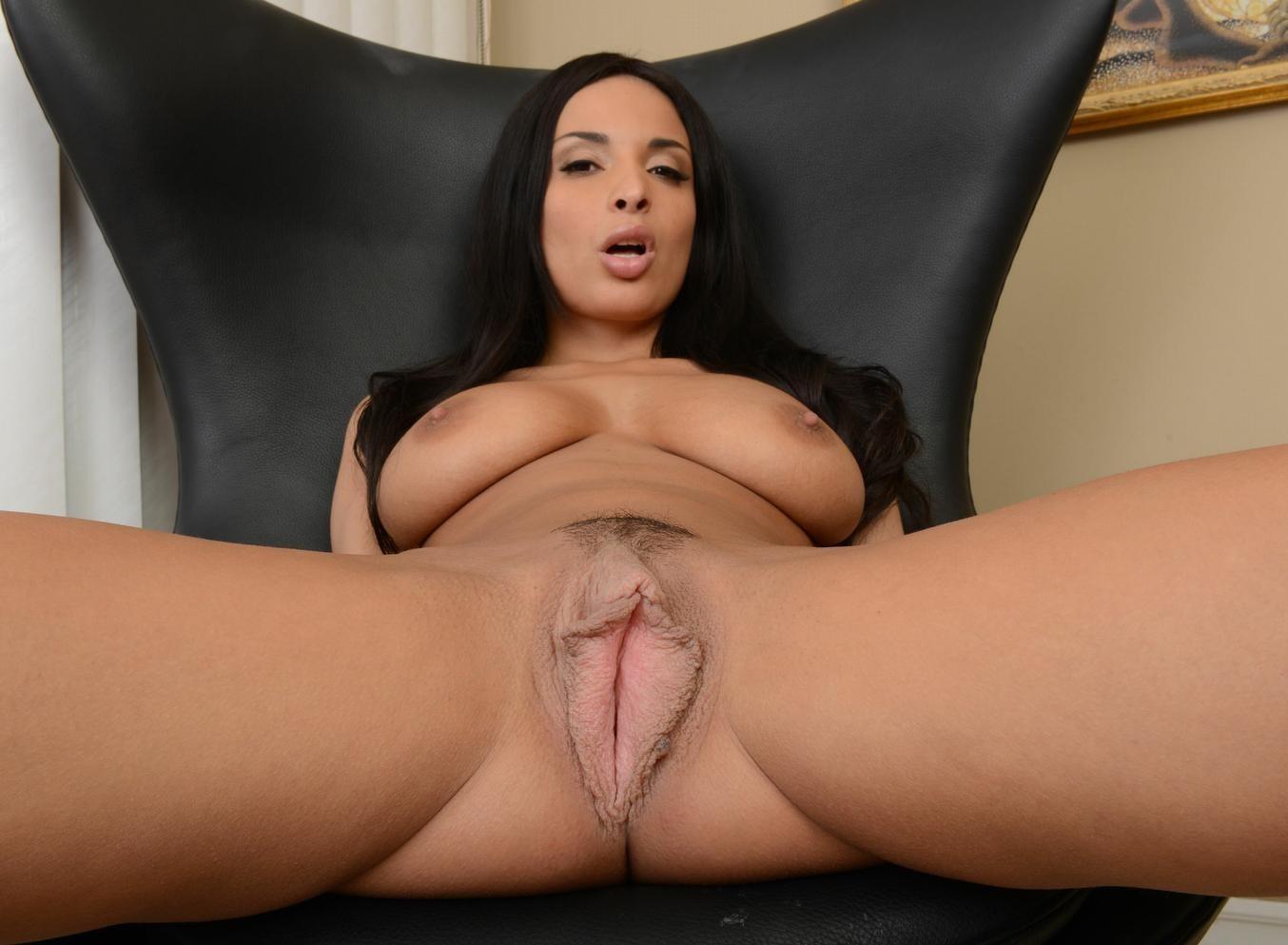 Thick bbw latina loses virginity