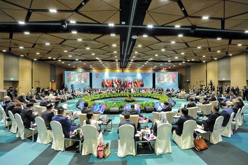 Страны АСЕАН подписали соглашение осоздании крупнейшей вмире зоны свободной торговли