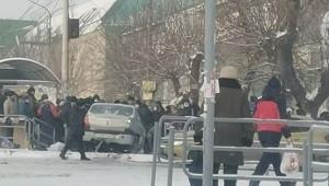 Автомобиль влетел втолпу наостановке вЧелябинске