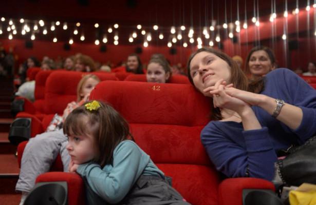 Кинотеатры бесплатно покажут фильмы вновогодние каникулы