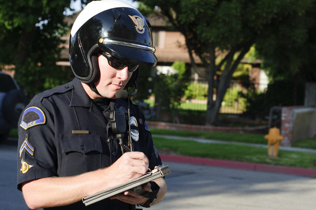 Dating a Cop: Where Do You Start?