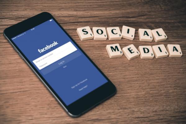 Ещеодна страна заставит Facebook платить зановости