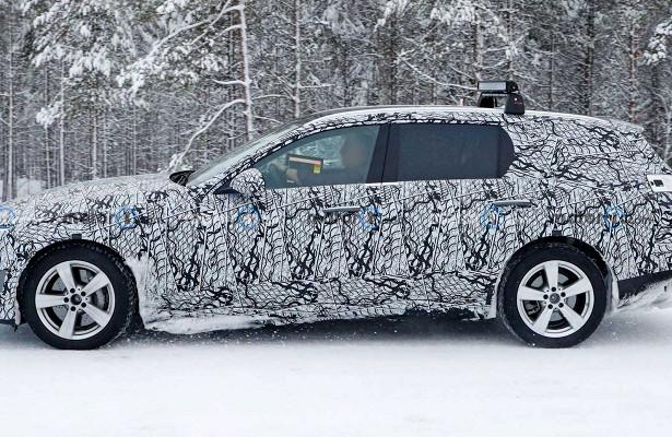 Новый Mercedes C-Class заметили назимних тестах