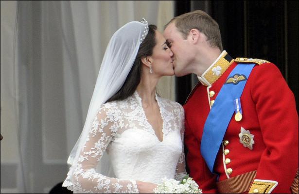 Принцу Уильяму иКейт Миддлтон пришлось последовать этой королевской традиции сразу после свадьбы