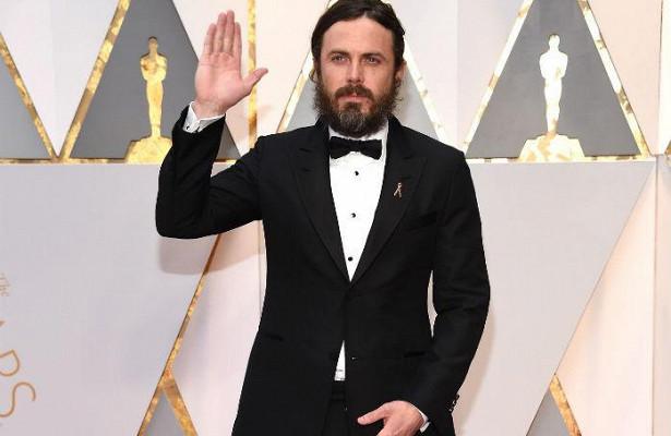 Секс-скандалы вГолливуде: Кейси Аффлек отказался вручать «Оскара» лучшей актрисе