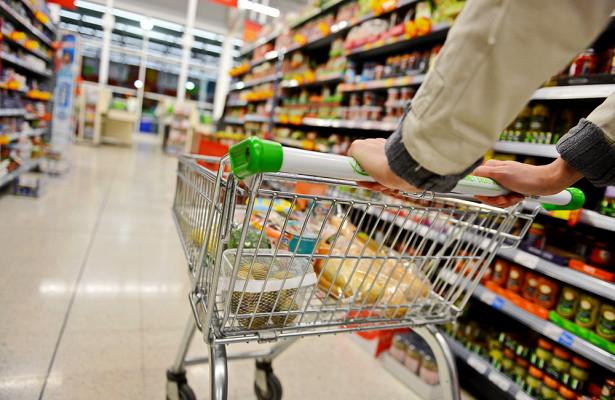 Названы самые опасные продукты питания