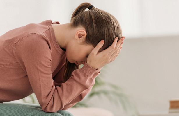Трудное дыхание ипот: невролог назвал виды опасной головной боли