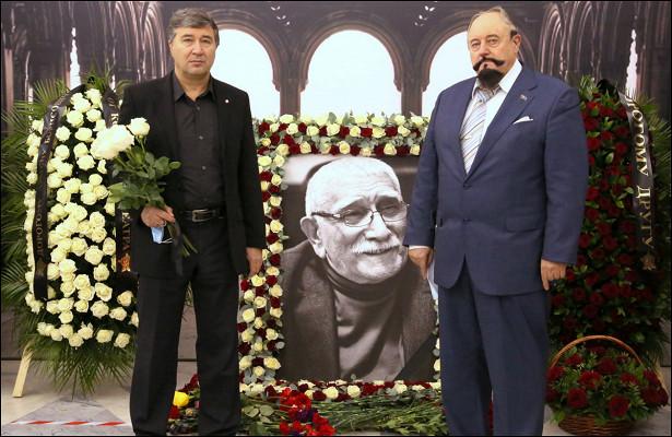 Последний путь Джигарханяна: усиленные меры безопасности, дорогой гроб извездные коллеги