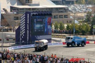 ВКазани наплощади Тысячелетия прошло автошоу Kazan City Racing