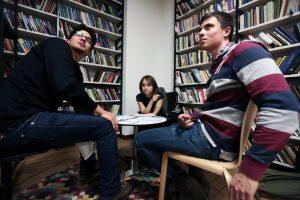 Встреча сисследователем иписателем Алексеем Исаевым состоялась вбиблиотеке №12имени Ивана Бунина