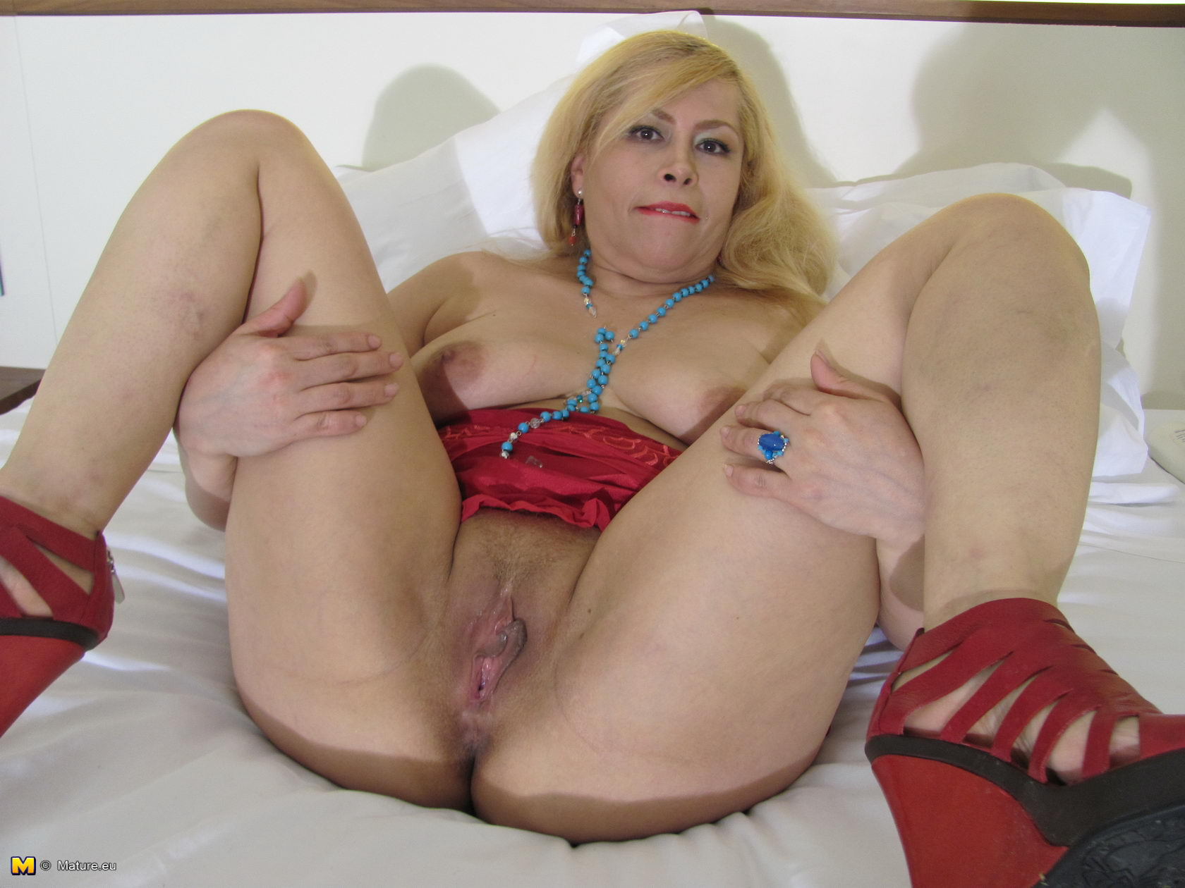 pussy mature video