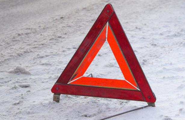 НаУрале КамАЗ споднятым кузовом протаранил газопровод