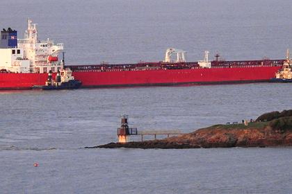 Безбилетные пассажиры захватили нефтяной танкер вЛа-Манше