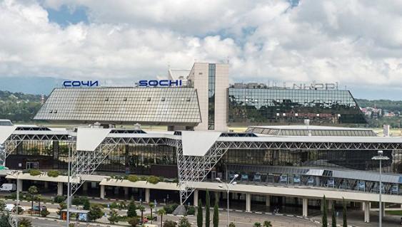 Ваэропорту Сочи срейса на российскую столицу сняли дебошира
