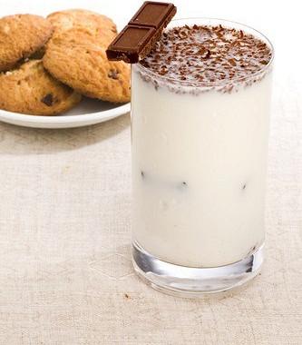 Рецепт Ванильный милкшейк сшоколадным печеньем