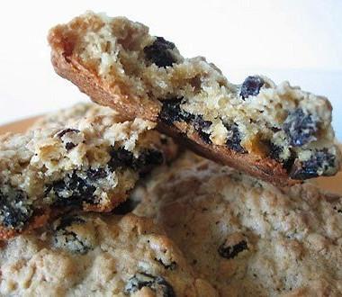 Рецепт Мягкое овсяное печенье сизюмом (Chewy oatmeal raisin cookies)