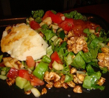 Рецепт Зеленый салат сжареным халуми