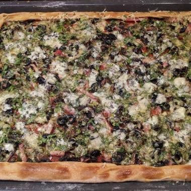 Рецепт Пицца на бездрожжевом тесте с шампиньонами и сыром с плесенью