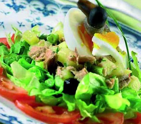 салат помидоры огурцы теплый перец и тунец рецепт