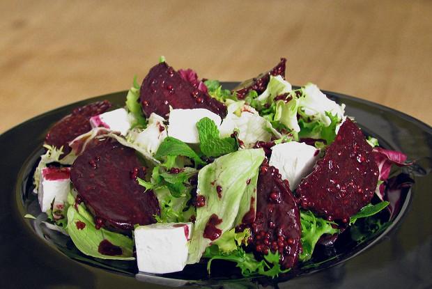 Салат со свеклой вареной рецепты простые и вкусные 2