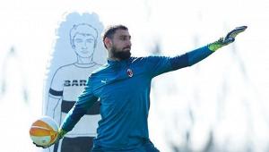 «Челси» хочет летом перехватить у«Милана» Доннарумму