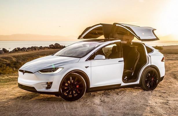 Tesla Model Xубила пассажира