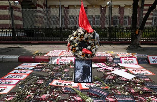 Раненная вголову напротестах вМьянме девушка умерла