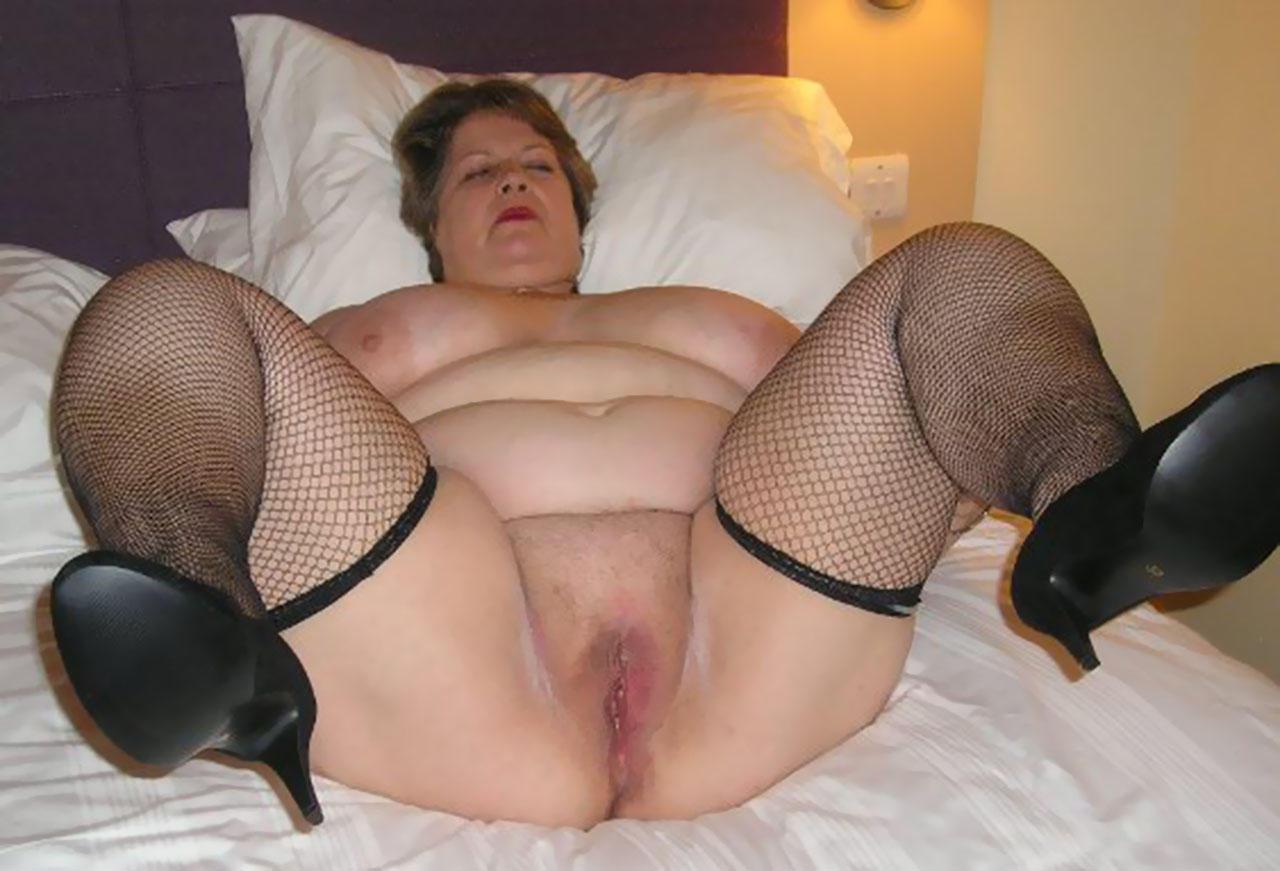 Порно фото толстая в чулках показала — 12