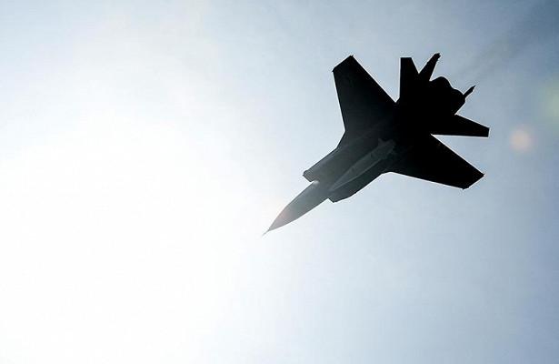 Военный летчик: МиГ-41станет угрозой длявражеских орбитальных объектов