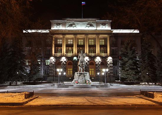 ВЕкатеринбурге вканун Днязащитника Отечества состоится торжественное возложение цветов кпамятнику Маршалу Жукову