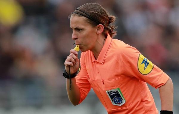 Матч Лиги чемпионов впервые будет судить женщина