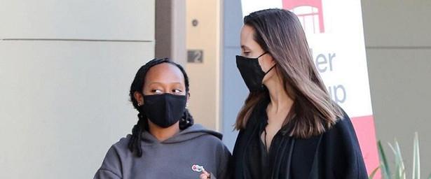 Видео: Папарацци поймали Анджелину Джоли вовремя шопинга сдочерью