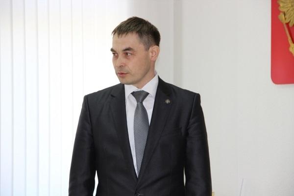 Бывшего члена правительства Чувашии обвиняют вовзяточничестве