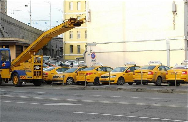 Слабослышащему водителю вернули доступ к«Яндекс. Такси» спомощью петиции. Егоотстранили из-запропущенного звонка