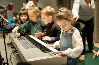 Как нотки петь научились